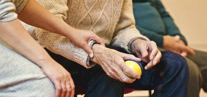 Curso cuidador de idosos gratuito: como funciona!