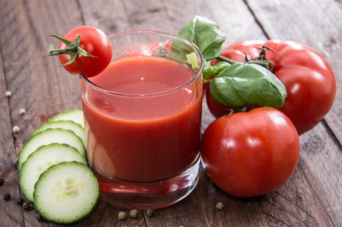 Suco de tomate para que serve