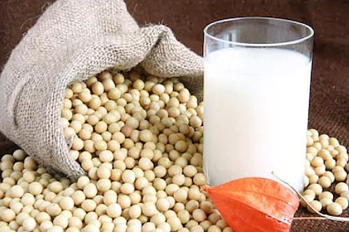 evitar alimentos ricos em estrogênio