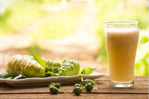 Benefícios do suco de Noni