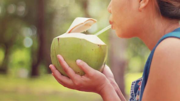 Água de coco é boa pra que